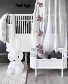 Happy Sunday everyone! How cute is this little girl's room by @stinejmoi 👌🏻 Miffy lamp, doll bed and Cam Cam quilt/playmat are all available online at @istome_store 💫 . #kidsroom #kidsroomdecor #nordichome #nordicinspiration