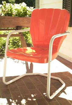 Buy Retro Metal Lawn Furniture Here - Thunderbird Metal Lawn Chair - For the patio,yard,pool or porch! Metal Patio Chairs, Porch Chairs, Garden Chairs, Outdoor Chairs, Outdoor Decor, Wrought Iron Garden Furniture, Lawn Furniture, Metal Furniture, Ideas