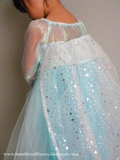 Handicraftiness: A Frozen Dress~ Queen Elsa& to Be Exact! Elsa Halloween Costume, Anna Costume, Frozen Costume, Frozen Dress, Elsa Dress, Princess Dress Up, Queen Dress, Destiny Costume, Queen Elsa