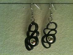 Øreringe af cykelslange og perler