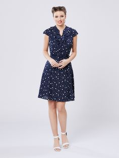 Happy Dress: Classic Ingenue and Soft Summer Soft Classic Kibbe, Sophisticated Dress, Review Fashion, Online Dress Shopping, Navy And White, Dresses Online, Blue Dresses, Lace Dress, Short Sleeve Dresses