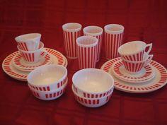 A 20pc 1950's Vintage Hazel Atlas Milk Glass Red Candy Stripe Set