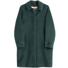 Burberry London Carlington Alpaca and Wool Blend Coat (14,075 MXN) ❤ liked on Polyvore featuring outerwear, coats, jackets, coats & jackets, green, sash belt, alpaca coat, button coat, alpaca wool coats and burberry