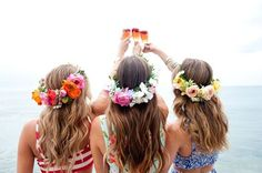 bridesmaids-holding-mimosas-at-beach-house-bachelorette-party http://itgirlweddings.com/11-essentials-for-your-bachelorette-party-beach-weekend/