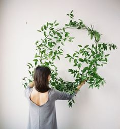 greenery wedding wreath via oncewed.com