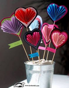 7 Super Cute and Easy Valentine's Day Crafts for Preschoolers in 2019 - Cynical Parent Valentines Day Crafts For Preschoolers, Creative Valentines Day Ideas, Mothers Day Crafts, Crafts For Teens, Preschool Crafts, Diy Crafts, Valentine Day Special, Valentines Day Hearts, Valentine Day Crafts