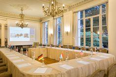 Voor een gegarandeerd succesvolle #meeting_in_Brugge ...  Tal van gerenommeerde bedrijven gaven aan Hotel Navarra Brugge reeds hun vertrouwen voor de organisatie van hun meetings.  Welke bedrijven? Surf eens naar http://www.hotelnavarra.com/nl/info/41/Referenties.html