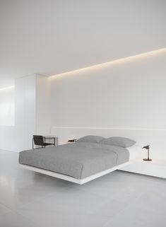 fran silvestre arquitectos has completed a house in rio de janeiro, brazil, comprising two monolithic volumes that are jointly deposited on the ground. Cheap Wall Decor, Cheap Home Decor, Fran Silvestre, Interior Minimalista, Rustic Home Interiors, Home Decor Paintings, Stylish Home Decor, Modern Bedroom, Home Decor Accessories