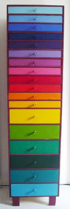 i need to do this on my dresser! since my dresser has 6 drors, they would be red,orange,yellow,green,blue and purple