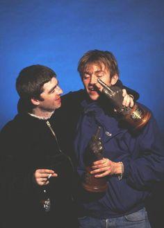 Noel Gallagher & Damon Albarn. NME Awards. #BritpopWar