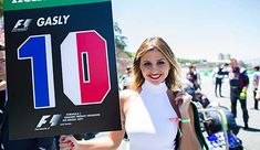 Grid girls will no longer feature in formula 1 from the start of the 2018 season. Sport Quotes, Girl Quotes, Kids Sports Party, Runners Motivation, Sports Illustrated Swimsuit 2016, Grid Girls, Two Sisters Cafe, F1 News, Social Determinants Of Health