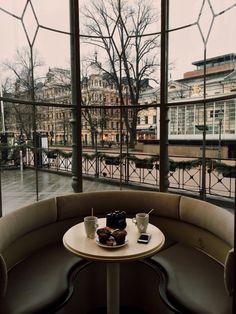 Coffee Break in Paris ~ Ana Rosa Helsinki, Rue Rivoli, Oh The Places You'll Go, Places To Visit, Coffee In Paris, Belle France, Paris Love, Belle Villa, Paris Ville