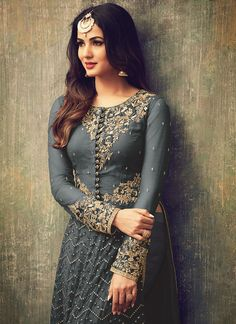 Looking to buy Anarkali online? ✓ Buy the latest designer Anarkali suits at Lashkaraa, with a variety of long Anarkali suits, party wear & Anarkali dresses! Indian Fashion Dresses, Pakistani Dresses, Indian Outfits, Desi Clothes, Indian Designer Wear, Indian Girls, Indian Wear, Indian Beauty, Fashion Pants
