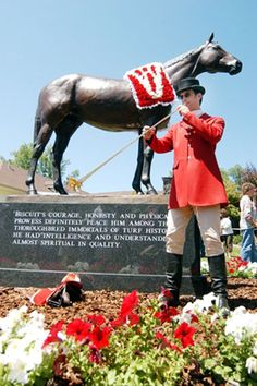 Seabiscuit statue   Seabiscuit bronze statue returns to Ridgewood Ranch
