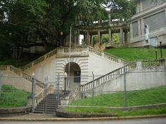 Escalera/entrada del hospital Gorgas, Panama