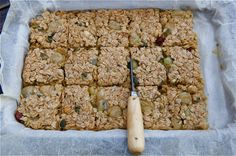 This gooseberry flapjack recipe is easy to make. Substitute gooseberries for diced chunks of apple, apricots or raspberries. Dried fruits also work well. Sweets Recipes, Baking Recipes, Biscuit Cookies, Bar Cookies, Gooseberry Recipes, Flapjack Recipe, Pudding Desserts, Baking Tins, Tray Bakes