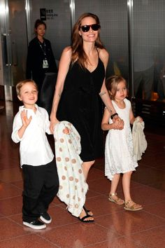 Angelina Jolie with her twins Knox and Vivienne Jolie-Pitt