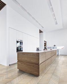 Check out @goodmorningvienna for delicious food advice ▪▪▪▪▪▪▪️▪️▪️▪️▪️▪️ www.landeka-design.at 🌍 office@landeka-design.at ✉️ Tag your best photos with #LANDEKADesign and follow @landekadesign to be featured  #LANDEKADesign #innenarchitektur #massmöbel #wienumgebung #purkersdorf #austria #österreich #design #interior #interiordesign #job #art #arts #architecturelovers #love #life #beautiful #archilovers #architectureporn #designer #style #archidaily #architecture #geometry #perspective