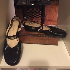 Rangoni patent leather shoes Rangoni Italian black patent leather Maryland style shoes. Great condition. Only regular scuffing on bottom Rangoni Shoes