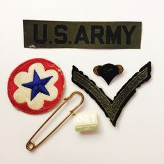 LOT: U.S. Vintage Patches & Pins Vintage patches and pins. Accessories