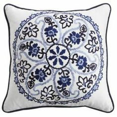 COJÍN MEDALLION EMBROIDERED Pier 1 | SEARS.COM.MX - Me entiende!