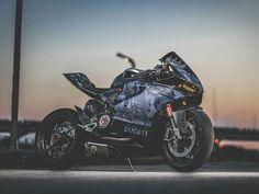 Ducati 1199 Panigale Ducati Motorbike, Ducati Cafe Racer, Motorcycle Dirt Bike, Moto Bike, Racing Motorcycles, Ducati 1199 Panigale, Ducati Hypermotard, Super Bikes, Ducati Models