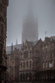 Fog over Victoria Street, Edinburgh, Scotland. by sanayasis Paradis Sombre, Foto Gif, Slytherin Aesthetic, Brown Aesthetic, Academia, Aesthetic Pictures, Light In The Dark, Hogwarts, Beautiful Places