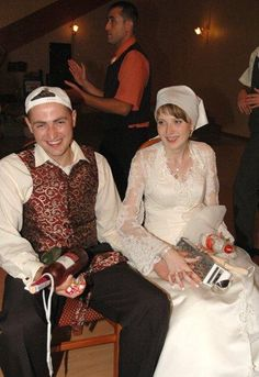 Polish Wedding Traditions – The Unveiling