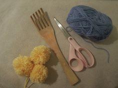 Ipanappi: 150 kierroksen pikatupsu pipoon Sewing Blogs, Tuli, Tableware, Hats, Berets, Beanies, Hoodies, Dinnerware, Beret