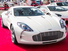 Aston Martin angel - One-77
