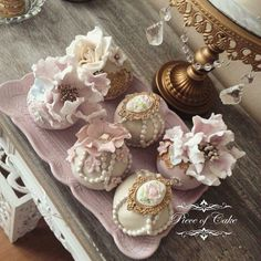 Vintage sphere cakes i made for a beautifull wedding.
