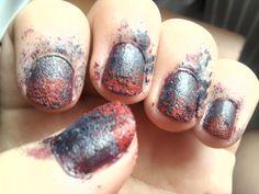 HoRrOr manicure!