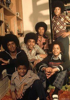 Janet Jackson, The Jackson Five, Michael Jackson Bad Era, Jackson Family, Gorgeous Black Men, Vintage Black Glamour, The Jacksons, Soul Music, Popular Music