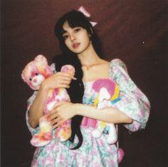 Kpop Girl Groups, Korean Girl Groups, Kpop Girls, Jennie Lisa, Blackpink Lisa, Mona Lisa, Yg Entertainment, Jenny Kim, Blackpink Members