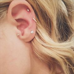 Micro Ohrringe: Wir lieben Chloë Moretzs süße Piercings