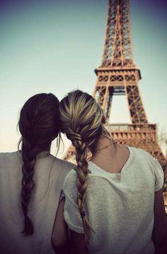 Meilleure amie partager par un bon moment a Paris