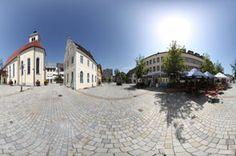 Bei diesem virtuellen Rundgang erschließt sich Ihnen die Gemeinde Marktoberdorf im Ostallgäu. Besichtigen Sie Sehenswürdigkeiten, Denkmäler und Plätze, sowie Gastronomie, Hotels und Einkaufsmöglichkeiten. Sie können Ihre Tour per Panoramaschwenk selbst steuern und die einzelnen Locations virtuell betreten.