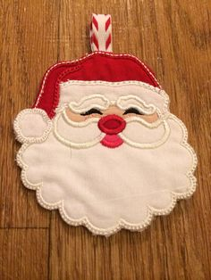 Santa Claus Fabric Gift Card Holder/Ornament. Find it on Etsy: BagsByBetty54