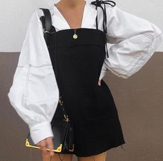 Shared by MICKEY. Find images and videos about fashion, style and outfit on We Heart It - the app to get lost in what you love. Fashion Mode, Look Fashion, Korean Fashion, Womens Fashion, Fashion Trends, Winter Fashion, Fashion Ideas, Fashion Beauty, Mode Outfits