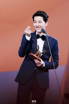 Song Joong Ki   Style Icon Asia 2016
