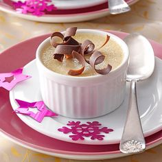 Hazelnut Pots de Creme Recipe -White chocolate and toasted ground hazelnuts make a heavenly combination in this rich, silky custard. Guests are sure to rave over the elegant individual treats served in ramekins. Custard Pudding, Custard Cake, Custard Pies, Custard Desserts, Just Desserts, Pudding Desserts, Baking Desserts, Mini Desserts, Sweet Desserts