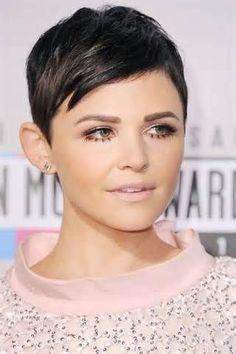 Ginnifer Goodwin Pixie Haircut: this is the only shot I've ever liked of her hair