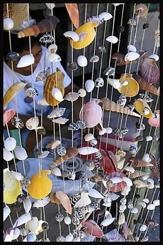 BEACHES on top, and each line could be every beach we've visited with the name on it- Miami, Pismo, Santa Cruz. Shell Craft Vendor - Ciy of Cebu, Cebu Sea Glass Crafts, Ocean Crafts, Seashell Crafts, Beach Crafts, Nature Crafts, Home Crafts, Playa Beach, Shell Beach, How To Make Diy
