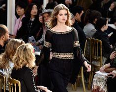 Descubre los instantes que robaron la atención de todos durante la presentación otoño-invierno en París.