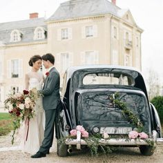Step inside a French fairytale featuring a gorgeous Claire Pettibone gown and a bevy of gorgeous blooms to adore! (via Rodeo and Co.)