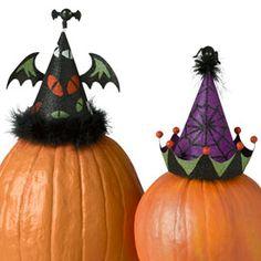 Halloween: Hats For Pumpkins Halloween Tricks, Halloween Hats, Halloween Stuff, Halloween Pumpkins, Halloween Ideas, Halloween Decorations, Pumpkin Hat, Pumpkin Ideas, Wheelchairs