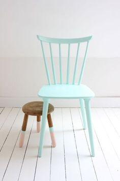 (via Painted Furniture Ideas)