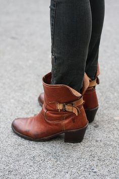 fantastic frye boots! so very cute to add to my collection....:)