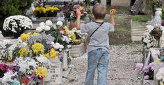 Indagine sui cimiteri gestiti dall'Ama. Interessante indagine de @ilfoglio_it Leggi anche il mio intervento prima come consigliere comunale di Rome e poi come consigliere regionale del Lazio sono stato da sempre sensibile al tema e vicino alla battaglia del comitato Tutela Cimiteri Capitolini http://www.ilfoglio.it/roma-capoccia/2017/04/09/news/indagine-sui-cimiteri-gestiti-dall-ama-128999/