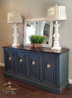 Annie Sloan Aubusson Blue with Graphite Was and Dark Wax Glaze. Visit us in the face Refurbished Furniture, Shabby Chic Furniture, Furniture Makeover, Dresser Makeovers, Chalk Paint Furniture, Furniture Projects, Furniture Decor, Furniture Design, Home Office Decor